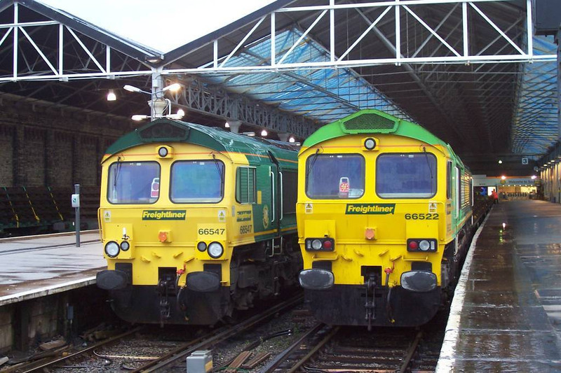 66547 / 66522 <br /> <br /> Location: Southport <br /> <br /> Date: 26th March 2006 <br /> <br /> 66522 was on a train of old rail panels