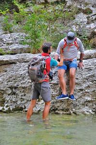 """Georges """"plongeant"""" dans le río Vero - Aragon - Espagne"""