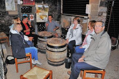 Dégustation matinale de vins de Bourgogne à Auxey-Duresses - Côte d'Or - France