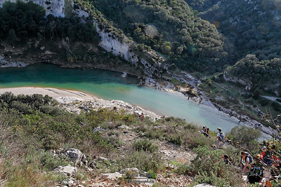 29-10-2006 Gard - Vallée du Gardon Entre Russan et Collias Chapelle St Vérédème - Vue sur la Baume
