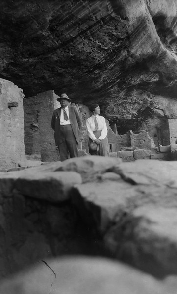 Mesa Verde NP. Dig the short ties, and awesome hats.