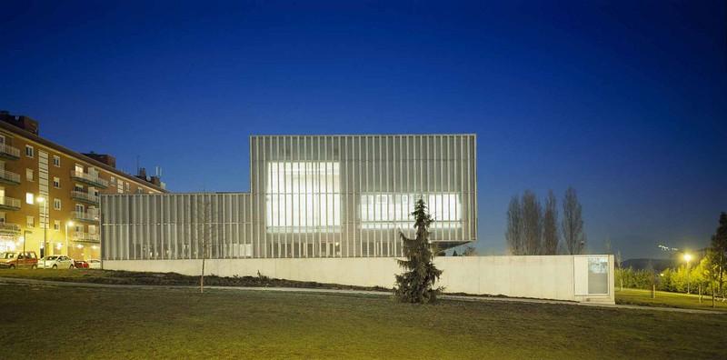 JustFacades.com CCivico Mendillorri-Pamplona-Imarblock-facade-aluminio-anodi-5.jpg