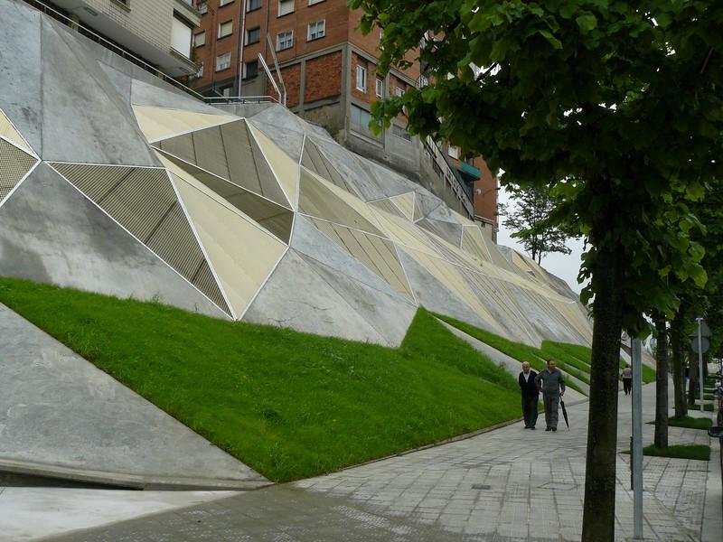 JustFacades.com Talud J Galindez-Idom-Bilbao-aluminio Expandido anodizado-Fachadas-envolventes-decoracion urbana- (10).JPG