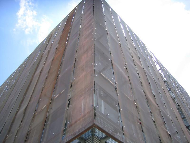 JustFacades.com Edificio Inteco-Leon-Quinta Metalica-expandido-cobre-16 (5).jpg