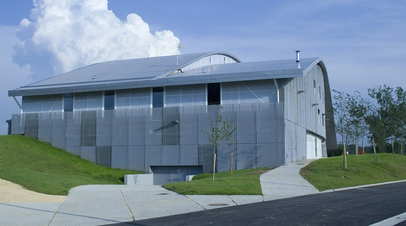 JustFacades.com polideportivo el Burgo Burgelu-fachada-expandido-galvanizado lacado-ro200x40x17-79.jpg