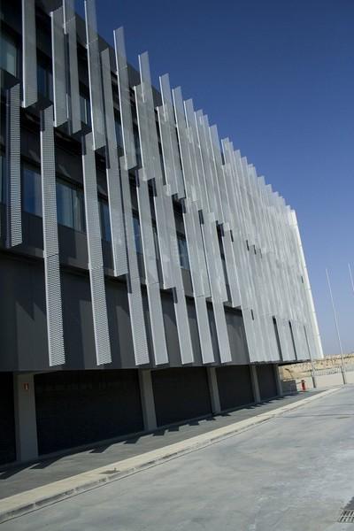 JustFacades.com pieralisi-zaragoza-fachada-expandido-acero galvanizado pintado-portf-1 (2).jpg
