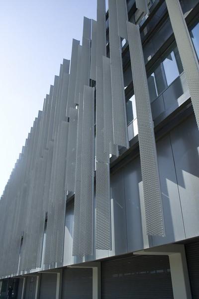 JustFacades.com pieralisi-zaragoza-fachada-expandido-acero galvanizado pintado-portf-1 (11).jpg