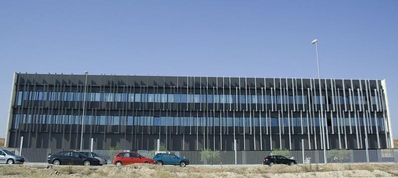 JustFacades.com pieralisi-zaragoza-fachada-expandido-acero galvanizado pintado-portf-1 (9).jpg
