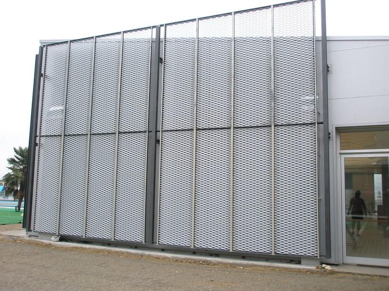 JustFacades.com Piscinas Sant Sadurni D'anoia-expandido-fachada-cerramiento-galvanizado-10 (2).JPG