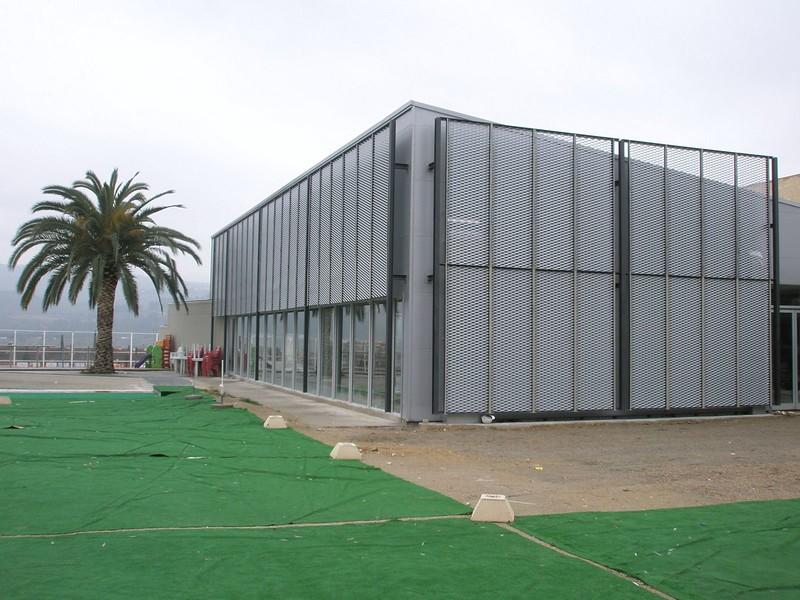 JustFacades.com Piscinas Sant Sadurni D'anoia-expandido-fachada-cerramiento-galvanizado-10 (10).JPG