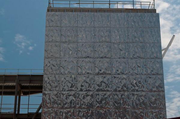 JustFacades.com  Bomberos bilbao-Coll Barreu-Facade-aluminium-embossed-lacqued- 24-11-2009 11-44-17 (2).jpg