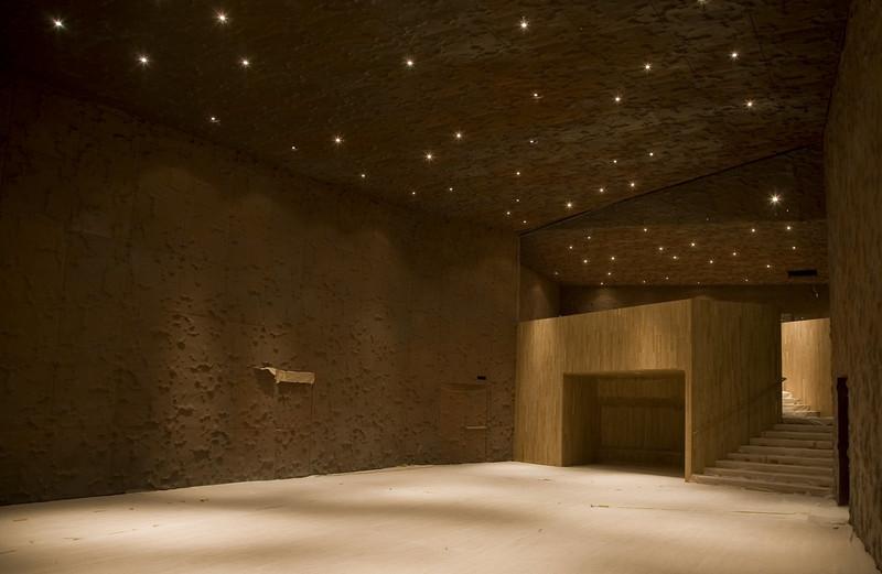 Caixa Forum 20-12-07 madrid-expandido techo recubrimiento-20.jpg