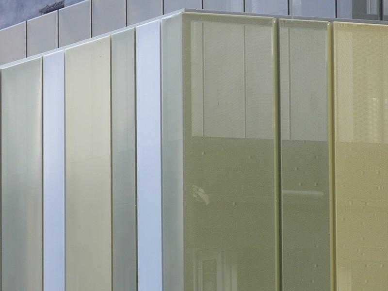 JustFacades.com San Roke roque-Portugalete-perforado-acero galvanizado pintado-galvanised steel-color-sener-fachada-facade-9 (17).JPG