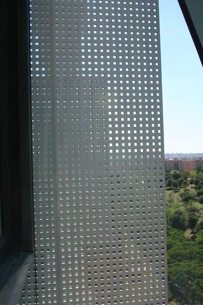 JustFacades.com Nozar Madrid- perforado-inox-138 (2).JPG