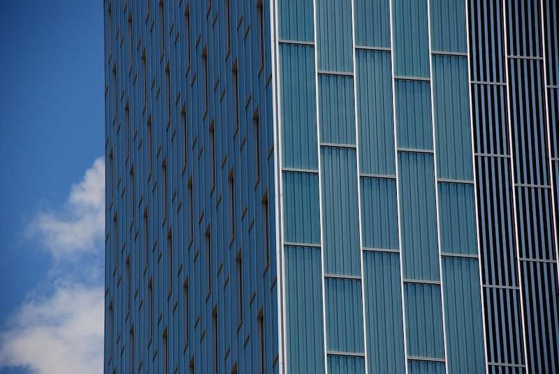 JustFacades.com Hotel Habitat Sky-ME-Barcelona-inox perforado-fachada-facade-stainless steel-d Perrault-grecado-24 (23).jpg