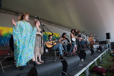 Begonia performs with local artists during a workshop she hosted at the Green Ash stage during Folk Fest at Birds Hill Park Sunday July 9, 2017. (David Lipnowski for Metro News)