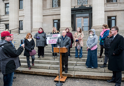 Liberal MLA Dr. Jon Gerrard speaks at a rally to end weight discrimination Wednesday November 23, 2016 at the Manitoba Legislative Building, as Bill 200 was reintroduced in the Manitoba Legislature. (David Lipnowski for Metro News)