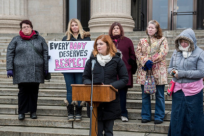 Registered Dietitian Lindsay Mazur speaks at a rally to end weight discrimination Wednesday November 23, 2016 at the Manitoba Legislative Building, as Bill 200 was reintroduced in the Manitoba Legislature. (David Lipnowski for Metro News)