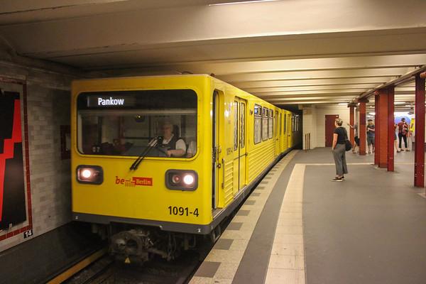 Senefelderplatz