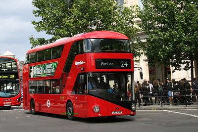 LT38, LTZ1038, Metroline, Trafalgar Square, Central London.