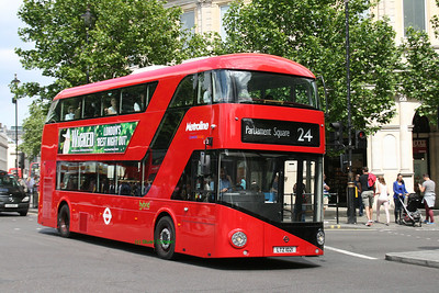 LT21, LTZ1021, Metroline, Trafalgar Square, Central London.