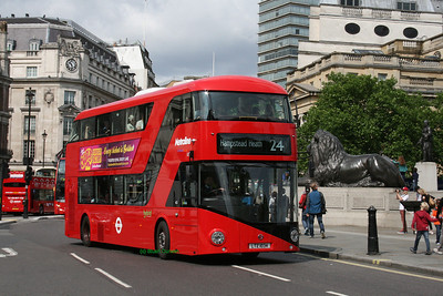 LT34, LTZ1034, Metroline, Trafalgar Square, Central London.