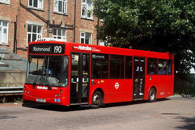 DM963, LK09EKL, Metroline, Richmond Bus Station