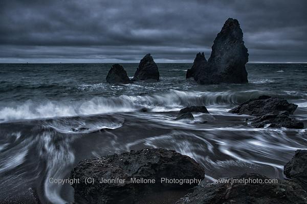 Swirling Waves among Boulders