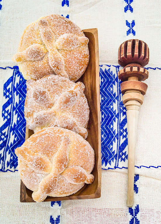 Pan de muerto, also known as dead bread in Mexico is just one of the Day of the Dead food traditions. Discover the other delicious things to eat during Dia de los Muertos.