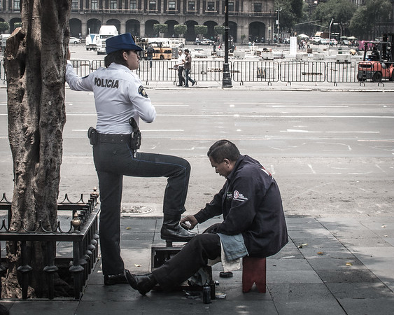 Shoe shiners are a common sight in Mexico City
