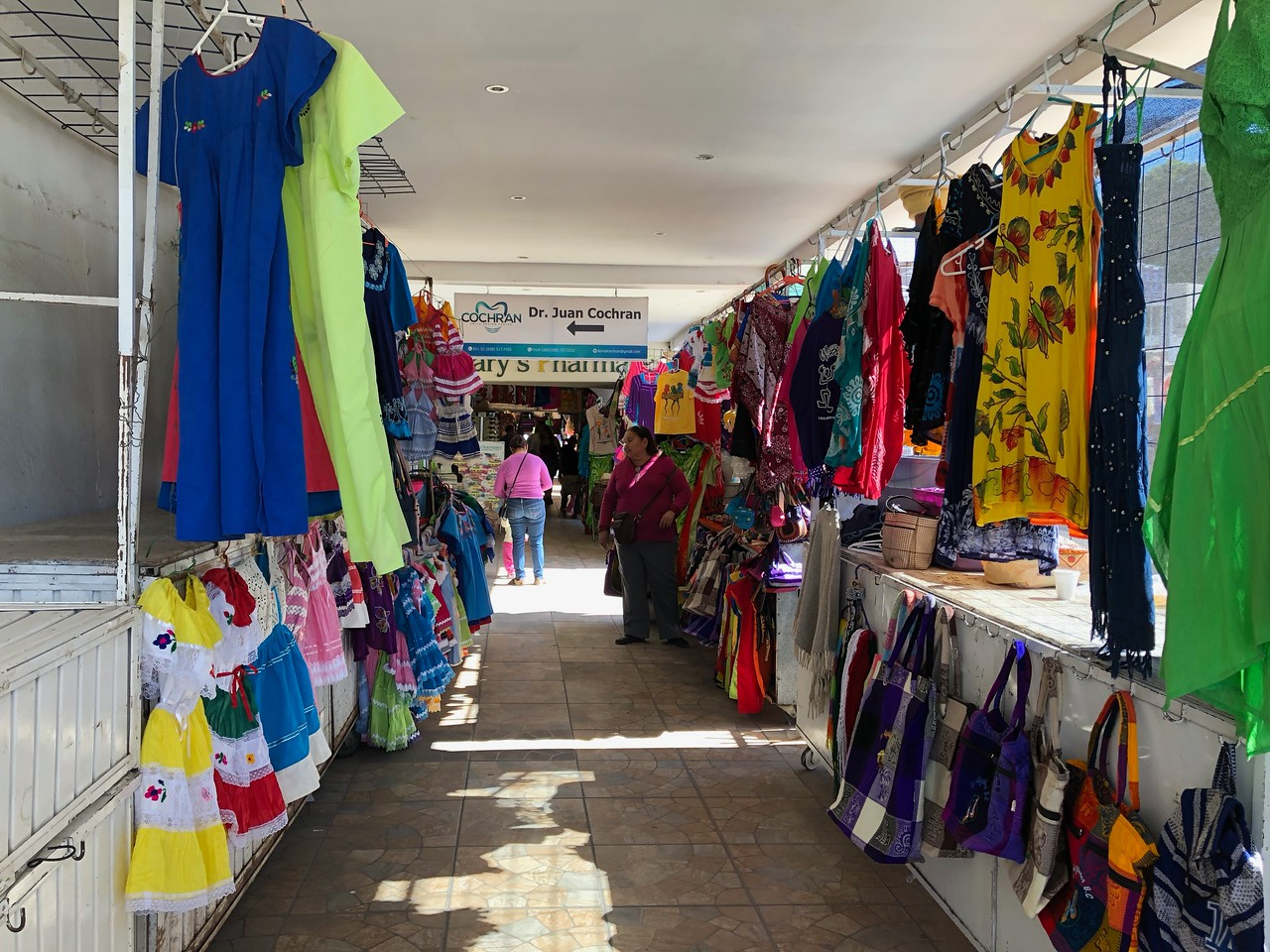 Los Algodones craft market