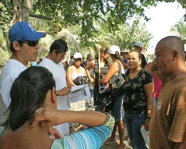 VIDEO - 2009 Community Cleanup of Litter/Basura around San Blas, Mexico