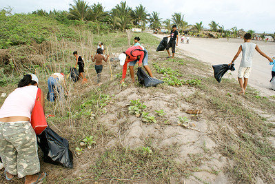 Mexican Community Litter Cleanup in San Blas, 2009