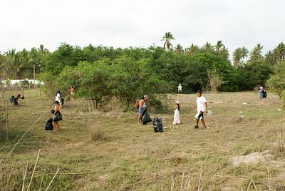 People Clearing Litter, San Blas, 2009