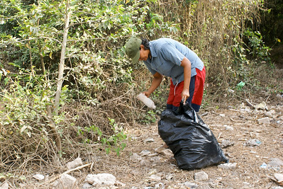 Cleaning up Roadside Litter in Mexico