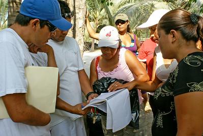 Volunteers Prepare for Litter Cleanup, San Blas 2009
