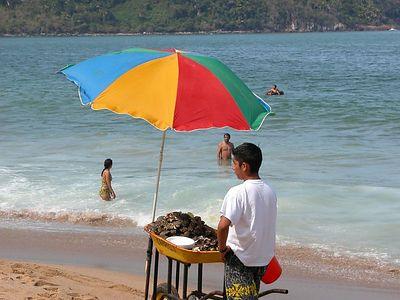 beach vendor 3