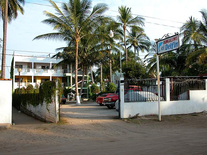 Jan 2006 - front of el Delphin. Notice public walkway to beach on the left.