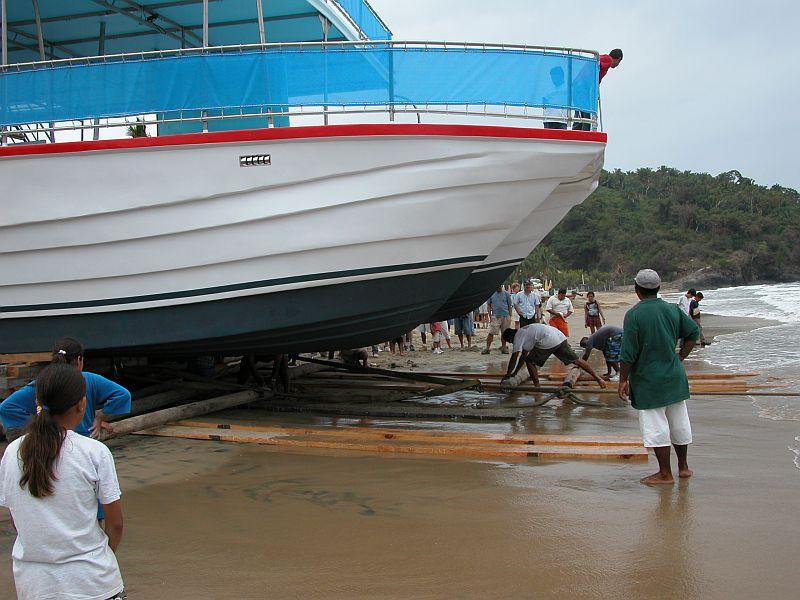 boats - Gran Fiesta launching 05
