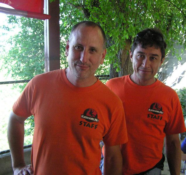 """Mauricio & Julio<br />  <a href=""""http://www.Matacanes.net"""">http://www.Matacanes.net</a>"""