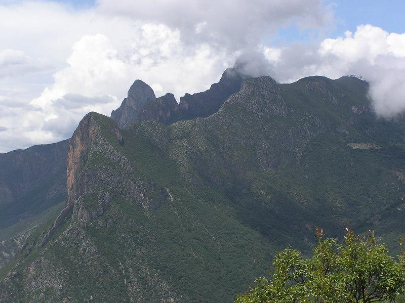 Between Laguna de Sanchez and Casillas