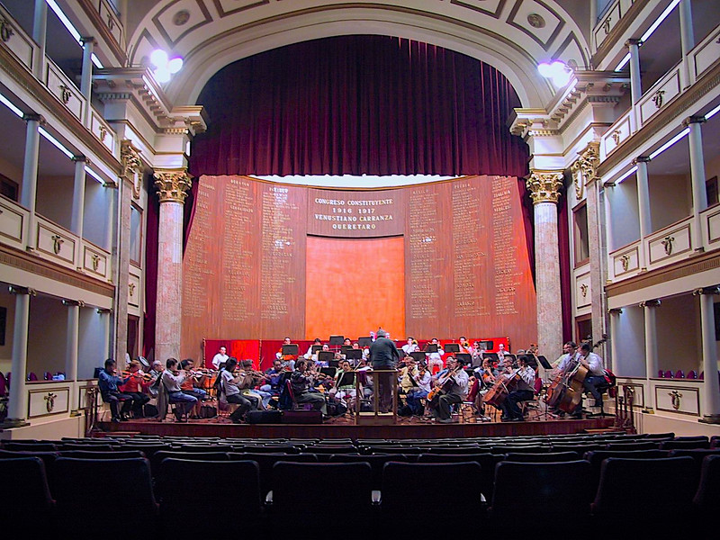 were lucky enough to buy the last two seats for a wonderful orchestra concert,