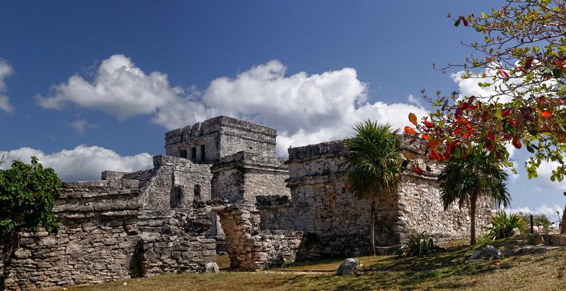 El Castillo (The Castle)