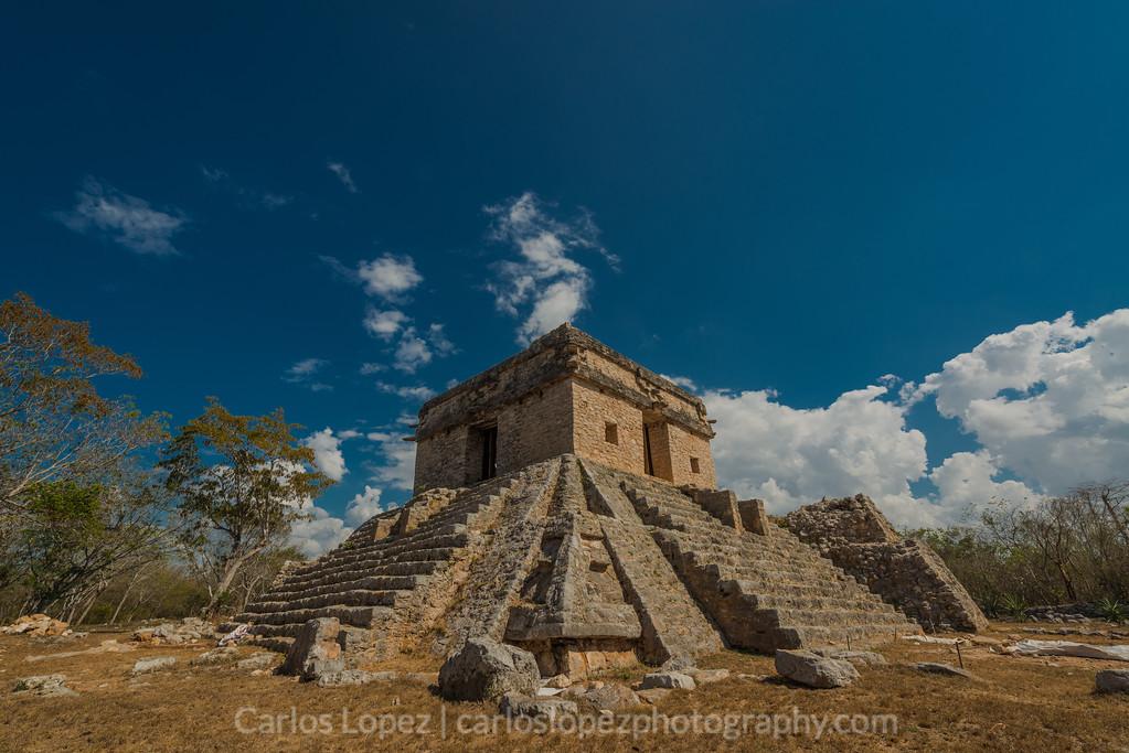 Dzibilchaltun, Templo de las Siete Muñecas