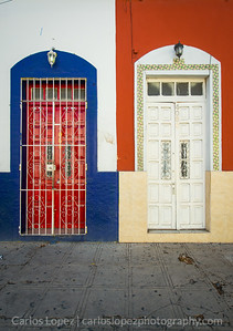 Calles de Merida,  Red White and Blue