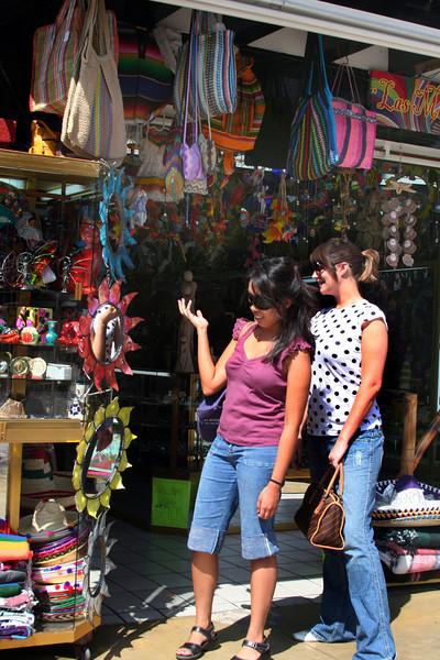 Tijuana, Shopping Fun