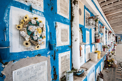 Space saving tombs in Ttacotalpan, Mexico