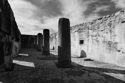 Mitla: Säulen