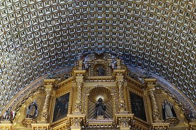 Santo Domingo von Innen: Gold soweit das Auge reicht