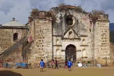 Kirche in San Pablo Coatlán